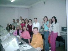 International Management students in the Internet Lab with professor Melinda Messick